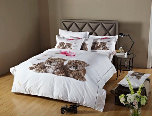 Dolce Mela Twin size Duvet Cover Set DM486T