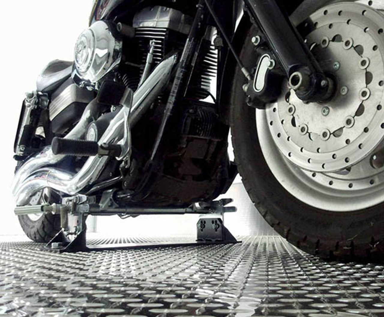 MC2302 --- Biker Bar for Harley Davidson Softail, Dyna, V-Rod Bikes