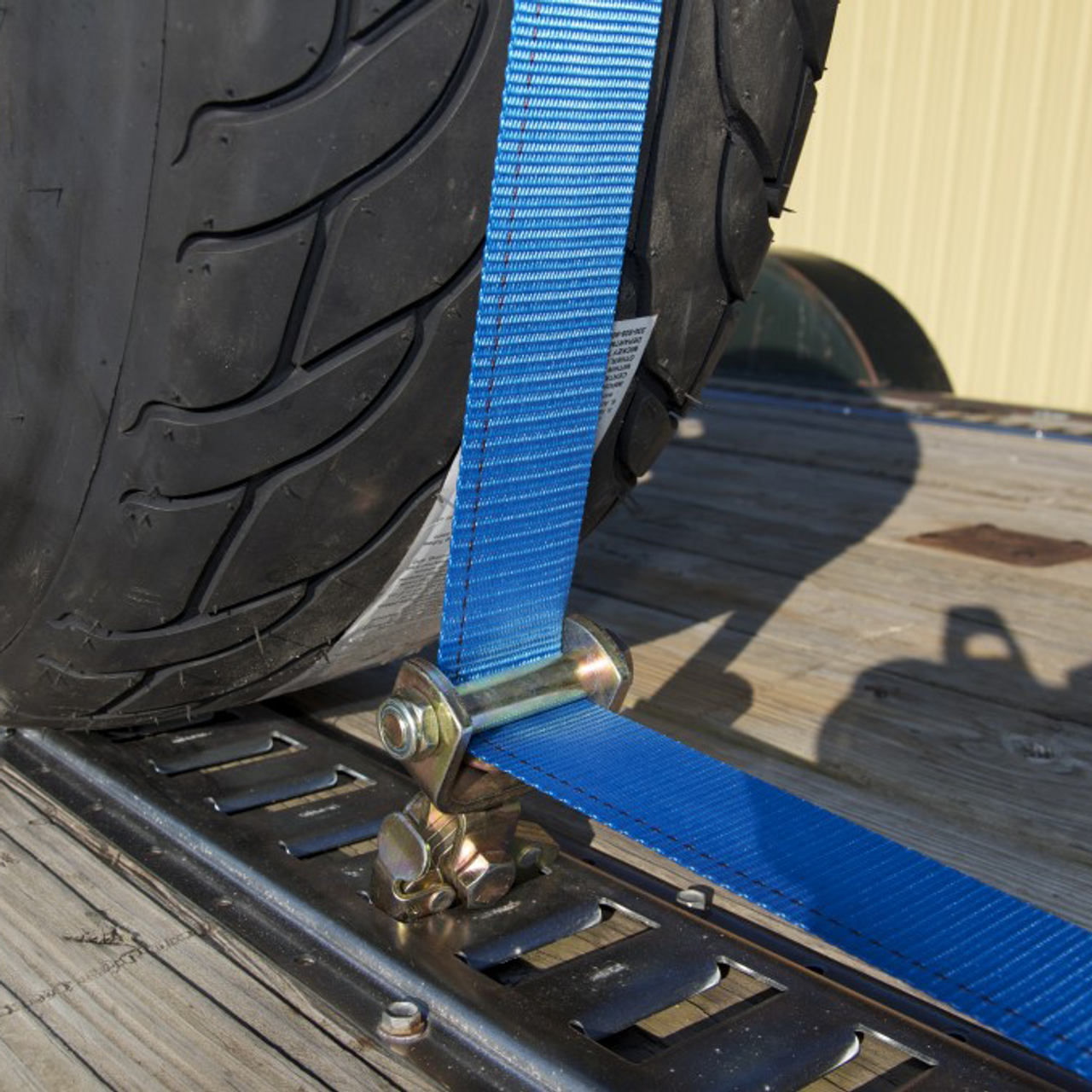 E58523 --- E-Track adjustable tire strap with roller idler