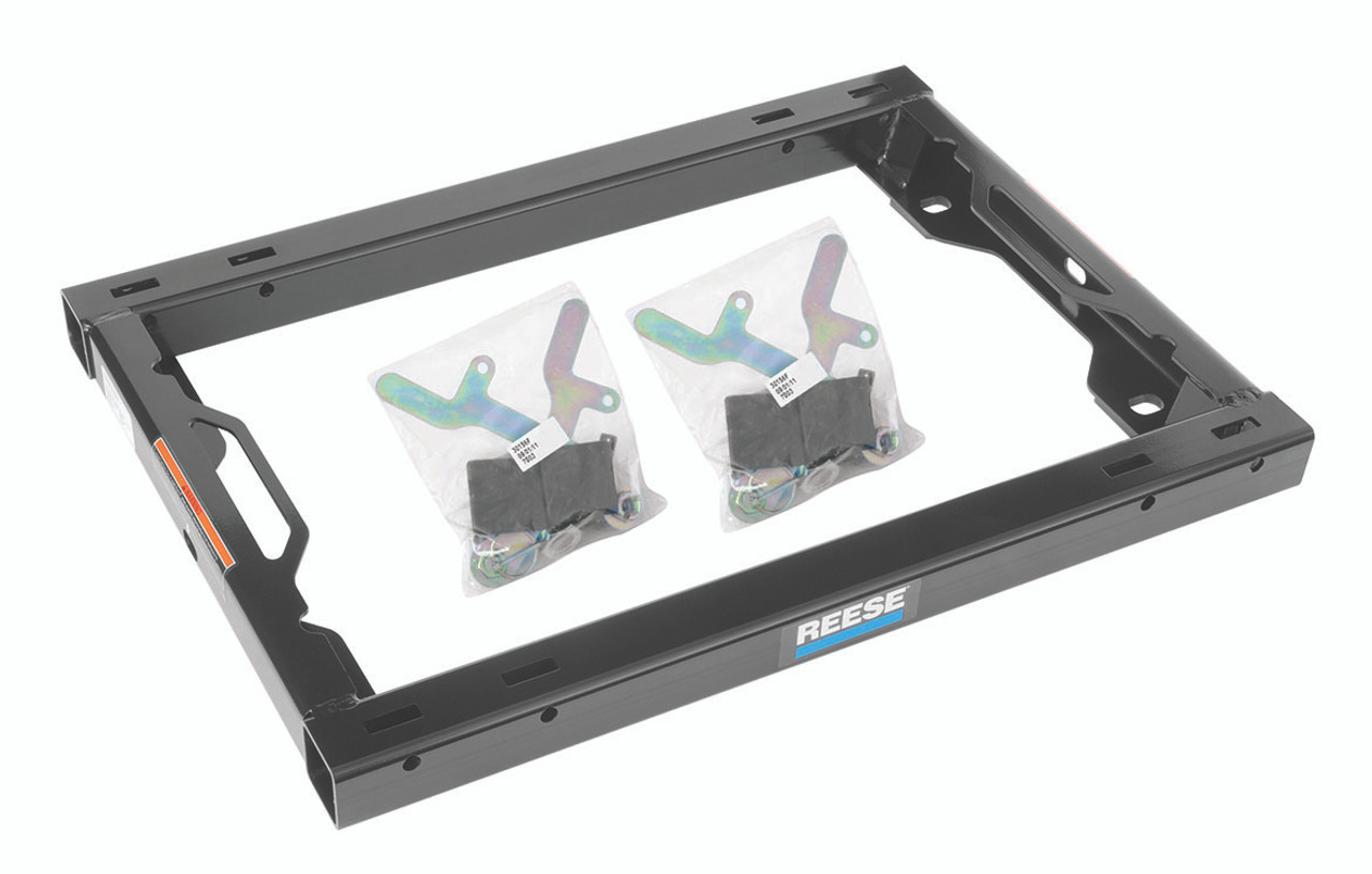 30156 --- Reese 5th Wheel Hitch Mounting Adapter kit for Ford OEM Underbed Pucks System