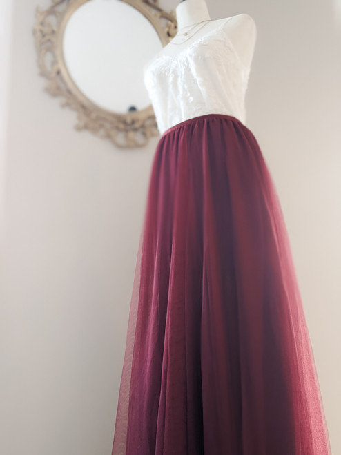 Women's Petal Skirt in Wine
