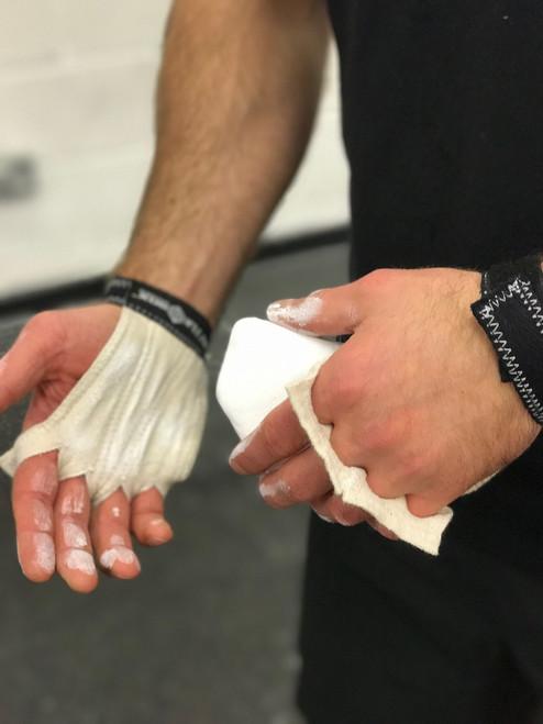 BattleBoxUK WOD Gloves Black White  - www.BattleBoxUk.com