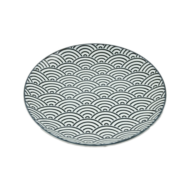 "Antico Wave Pattern Plate 8""D, Black/White"