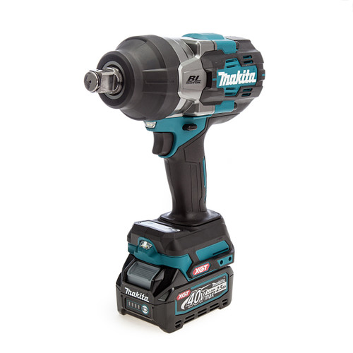 Makita TW001GD202 40Vmax XGT Impact Wrench (2 x 2.5Ah Batteries) 1