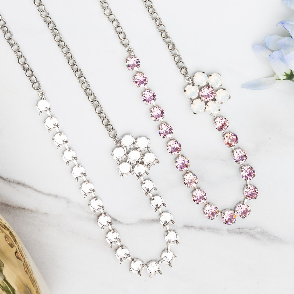 8.5mm   24 Setting Off Set Flower Necklace   One Piece