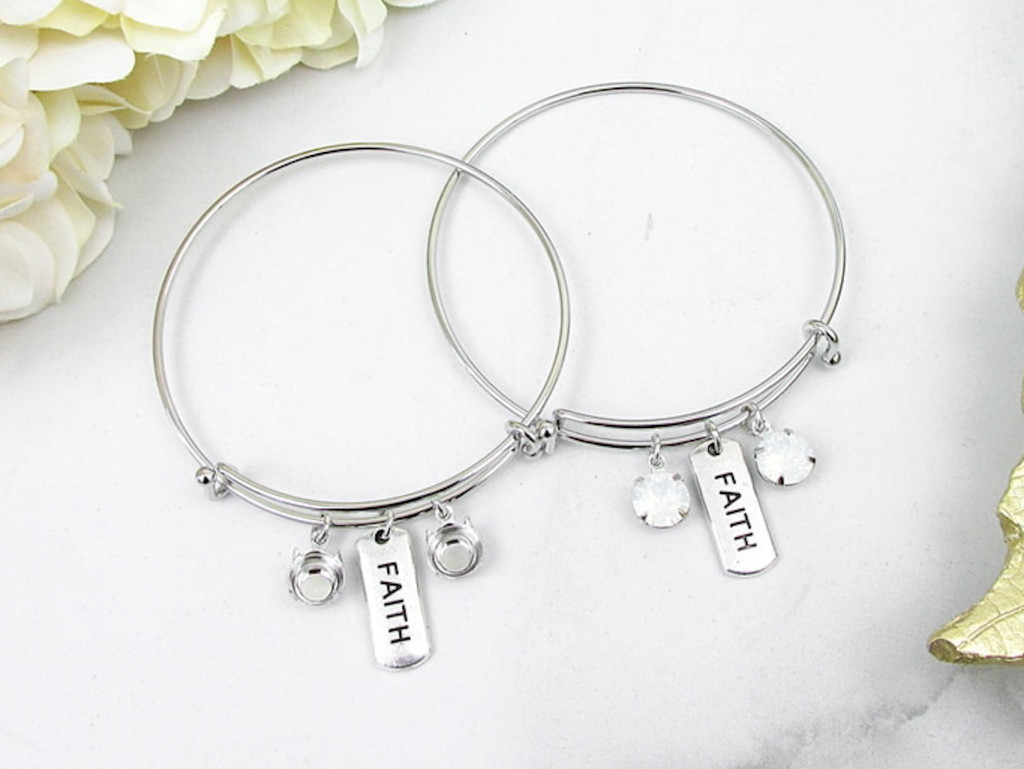 8.5mm | Faith Charm Bangle Bracelet | One Piece