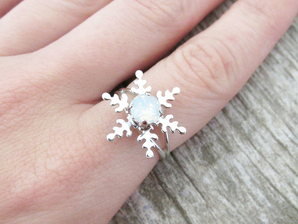 6mm (29ss) Snowflake Classic Band Adjustable Ring