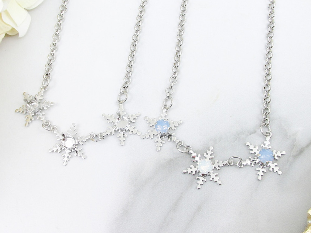6mm | Triple Snowflake Necklace | One Piece