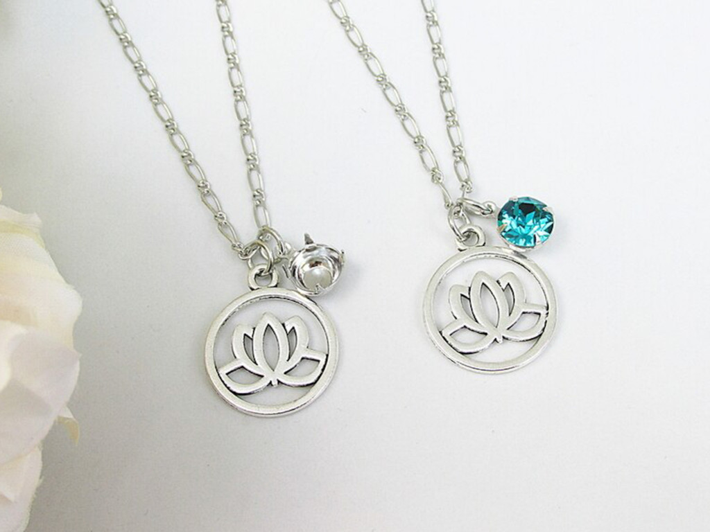 8.5mm   Lotus Flower Charm Necklace   One Piece