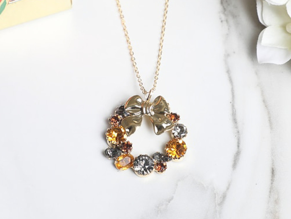 Wreath Crystal Necklace | One Piece