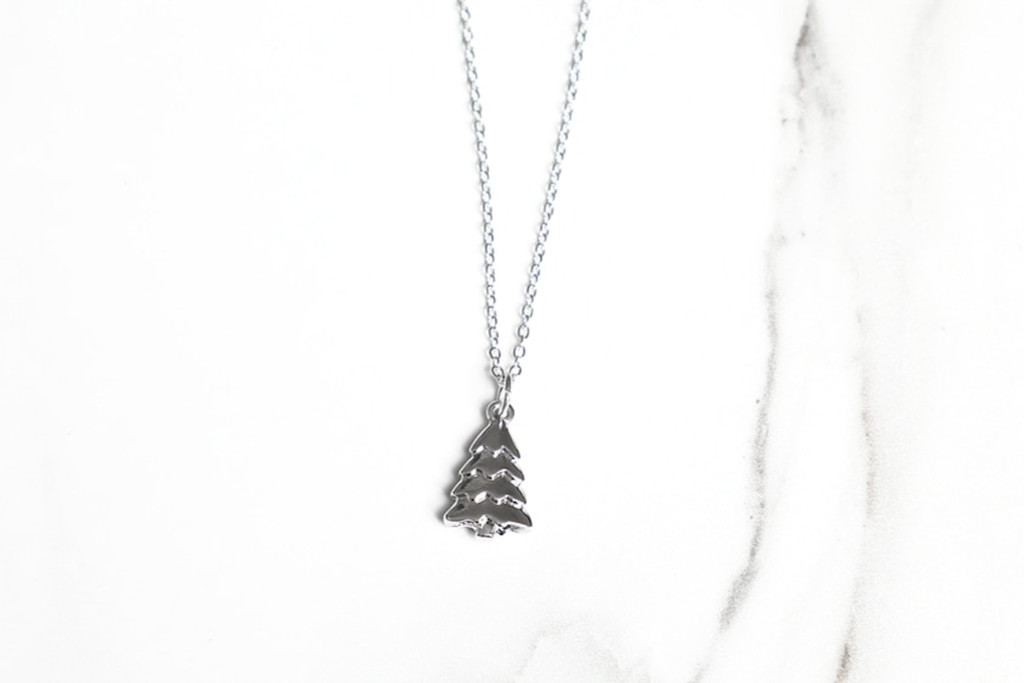 Christmas Tree Charm Necklace   One Piece