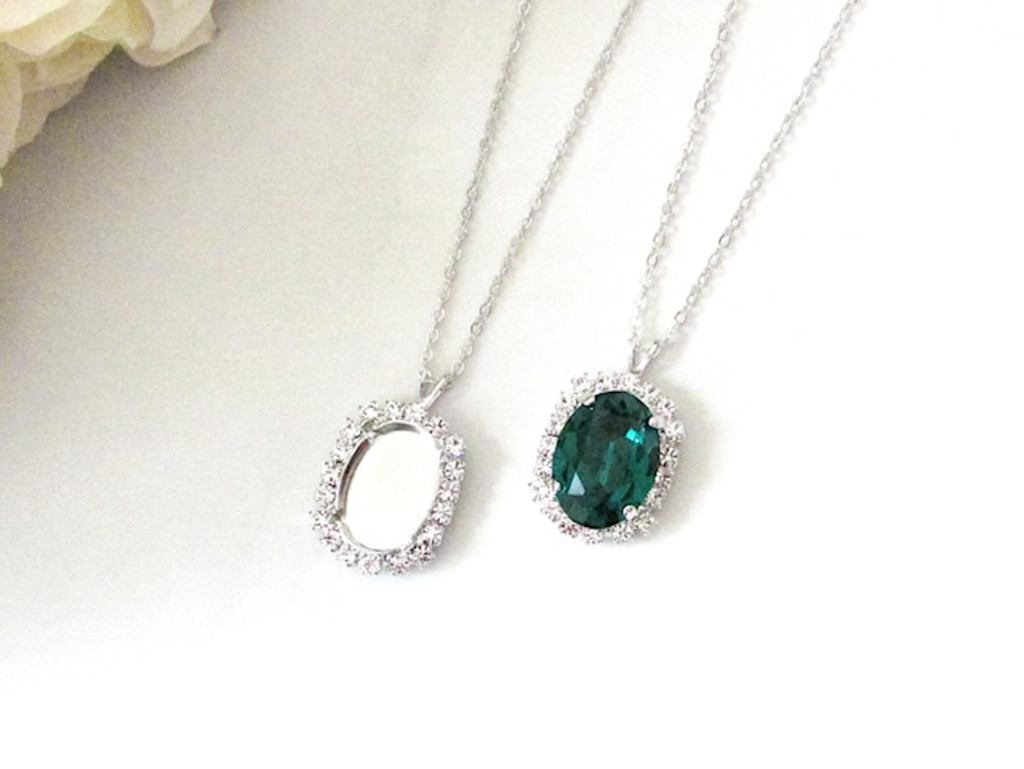 18mm x 13mm Oval | Crystal Halo Single Pendant On Necklace Chain | One Piece