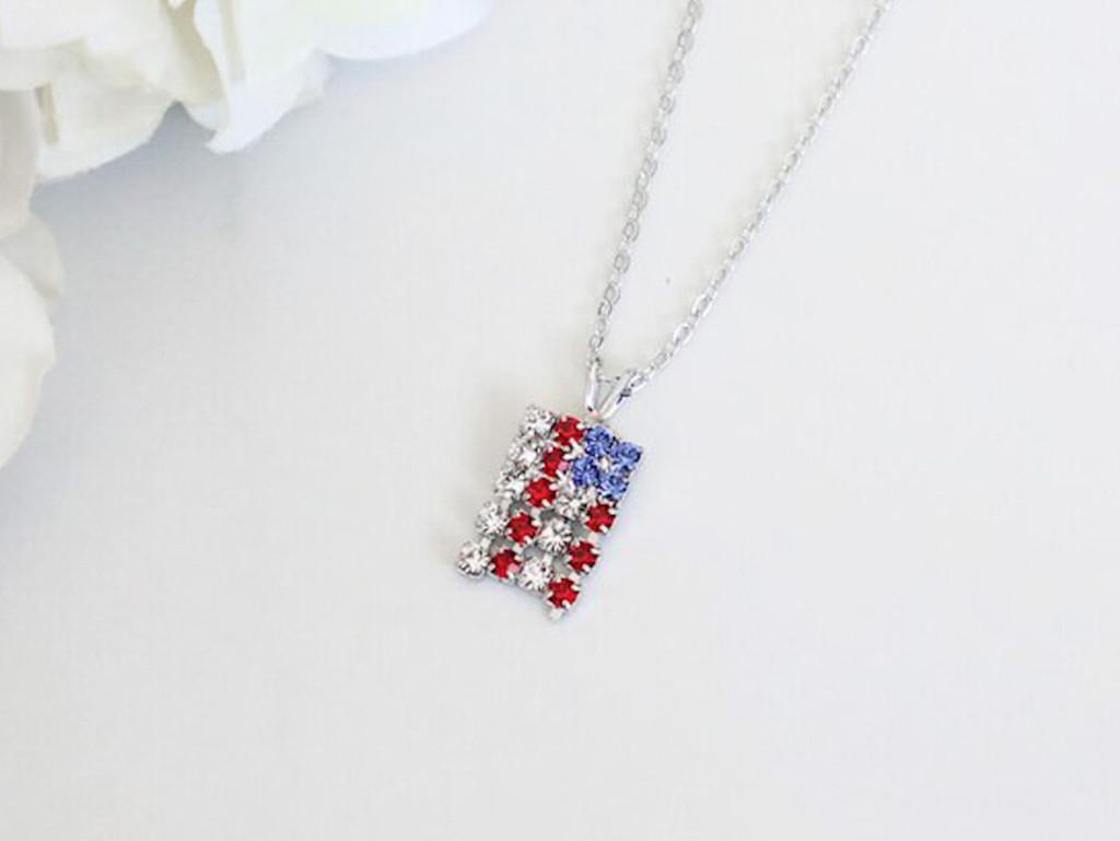 American Flag Crystal Rhinestone Necklace   One Piece