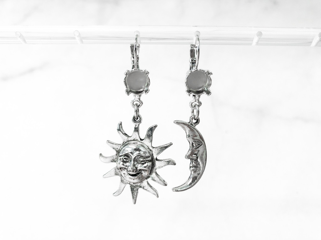 8.5mm   One Setting Drop & Sun and Moon Charm Earrings   One Pair