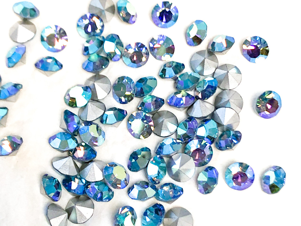8.5mm | Chaton | (Vintage) Light Sapphire AB | 12 pieces