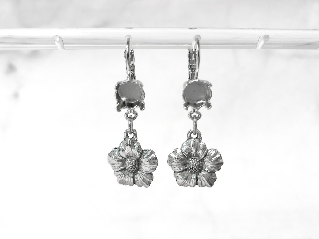 8.5mm | One Setting Drop & Floral Charm Earrings | One Pair