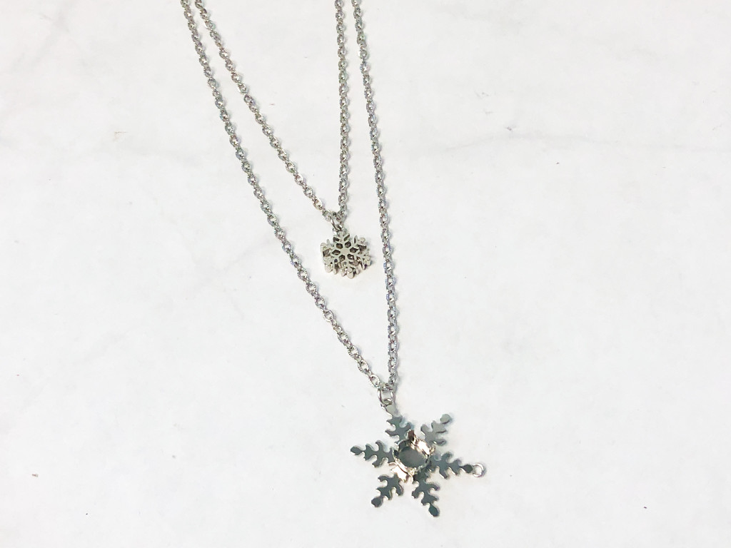 Textured 2-Layer Snowflake Necklace