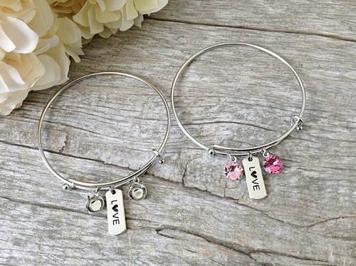 Love Charm With Two 8.5mm (39ss) Empty Settings On An Expandable Bracelet