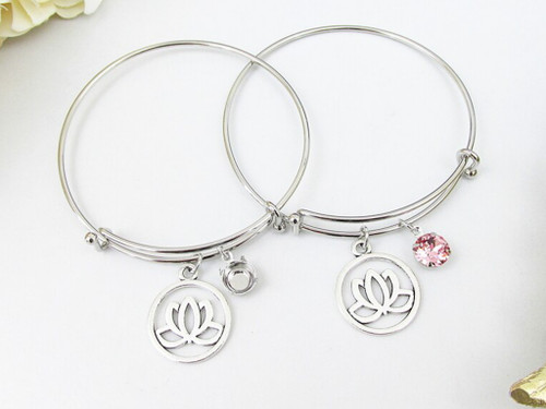 8.5mm | Lotus Flower Charm Bangle Bracelet | One Piece