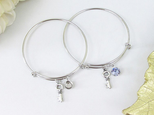 8.5mm | Key Charm Bangle Bracelet | One Piece