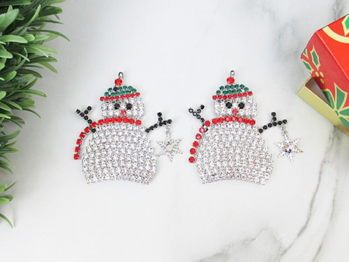 Snowman Holding A Snowflake Ornament | One Piece