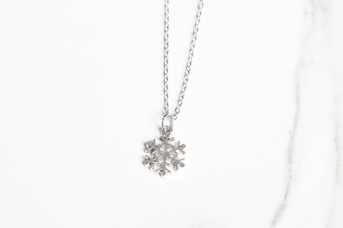 Snowflake Charm Necklace | One Piece