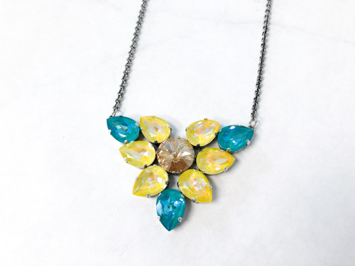 Sunflower DeLite Necklace made with Swarovski Crystals, zoomed view