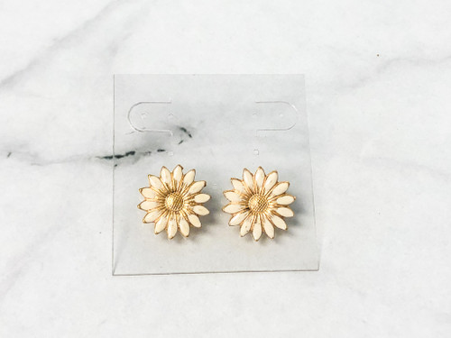 Cream Floral Stud Earrings | 1 Pair