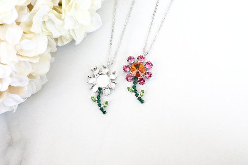 6mm & 12mm Round   Daisy Flower Pendant On Necklace Chain   One Piece