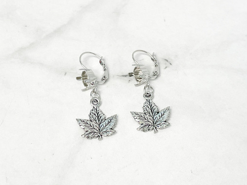 8.5mm   Leaf Drop Earrings   One Pair