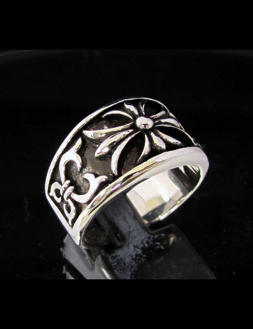 Antiqued silver band ring Fleur de Lis France Medieval French Lily Flower