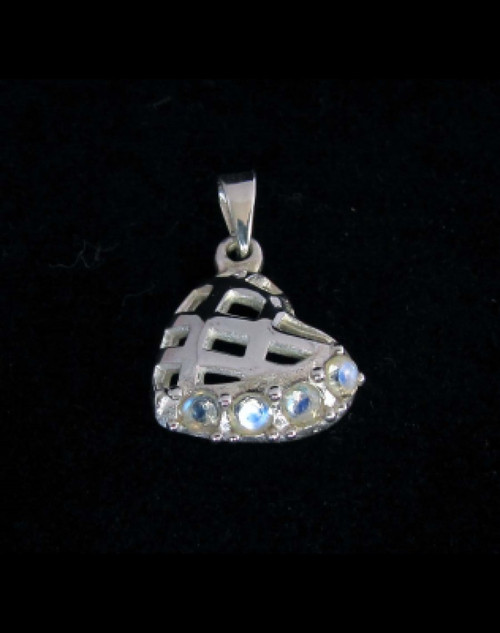 Heart shaped Sterling silver Gemstone pendant with 4 sparkling little Blue Fire Moonstones