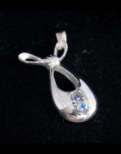 Elegant Sterling silver Gemstone pendant with 2 sparkling little Blue Fire Moonstones