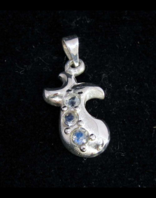 Sterling silver T shaped Gemstone pendant with 3 sparkling little Blue Fire Moonstones