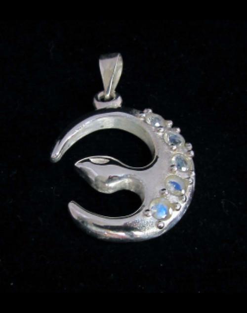 Elegant Sterling silver Gemstone pendant with 5 sparkling little Blue Fire Moonstones