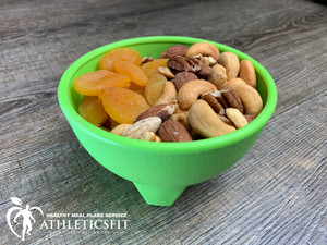 4 oz Roasted Mixed Nuts and dried Apricots