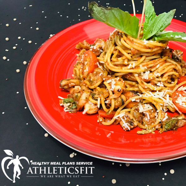 Spinach tomato Seafood mix pasta