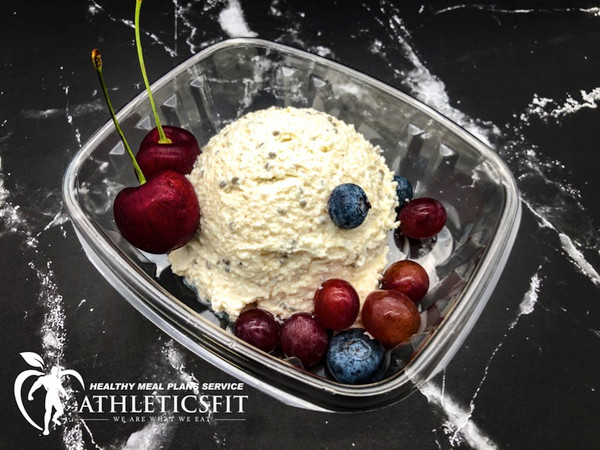 Cottage cheese with flax seeds and cinnamon