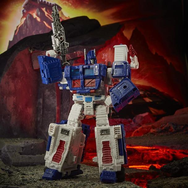 Transformers War for Cybertron Kingdom Leader Ultra Magnus