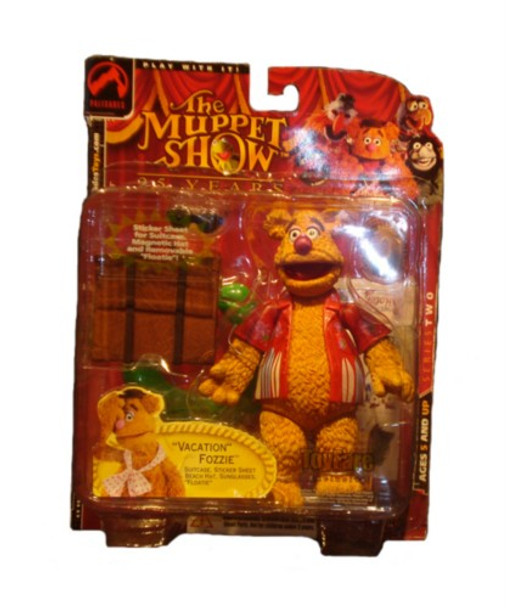 Muppets Toyfare Exclusive Vacation Fozzie Figure