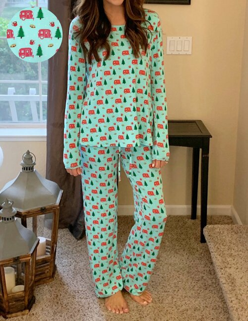 Holiday Airstream & S'mores Women's Pajama Set