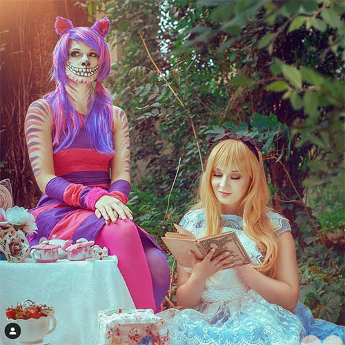 Cheshire Cat and Alice in Wonderland Cosplay