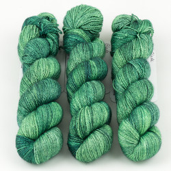 JulieSpins, Cashmere Silk Lace // Glade at  The Loopy Ewe