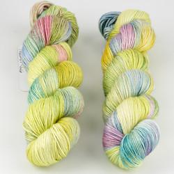 JulieSpins, Silky 435 // Rebirth