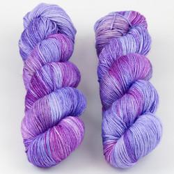 JulieSpins, Silky 435 // African Violet