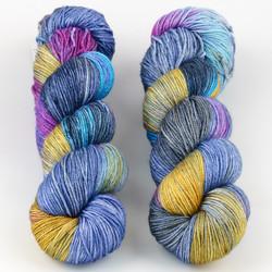 JulieSpins, Silky 435 // Dancer