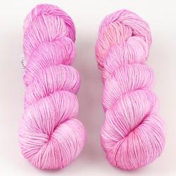 JulieSpins, Silky 435 // Princess at  The Loopy Ewe