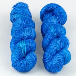 JulieSpins, Silky 435 // Sapphire