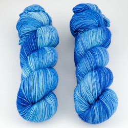 Dream in Color, Smooshy with Cashmere // Violet's Blueberry at  The Loopy Ewe