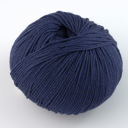 Cascade, 220 Superwash // 885 In the Navy at  The Loopy Ewe